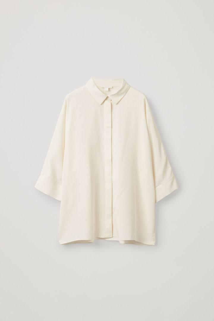 COS hover image 6 of 화이트 in 드레이프드 와이드 핏 셔츠