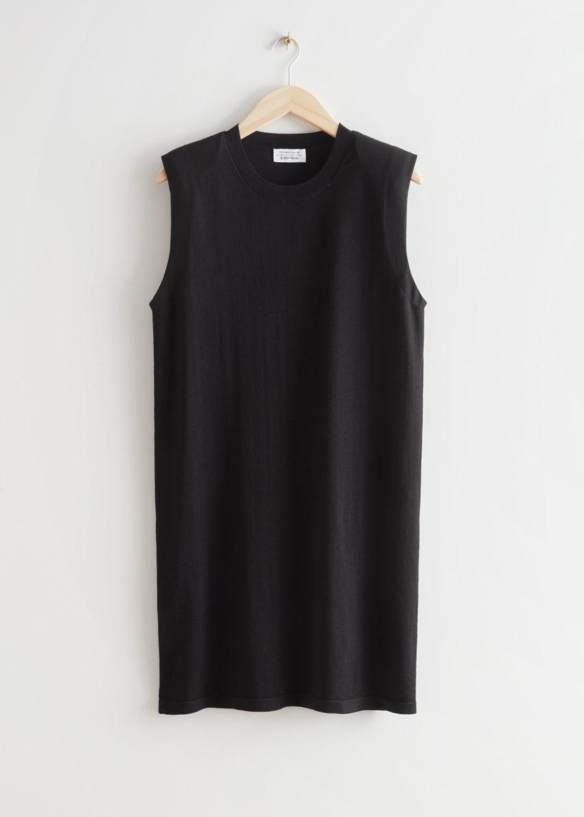 앤아더스토리즈 스트레이트 슬리브리스 미디 드레스의 블랙컬러 Product입니다.