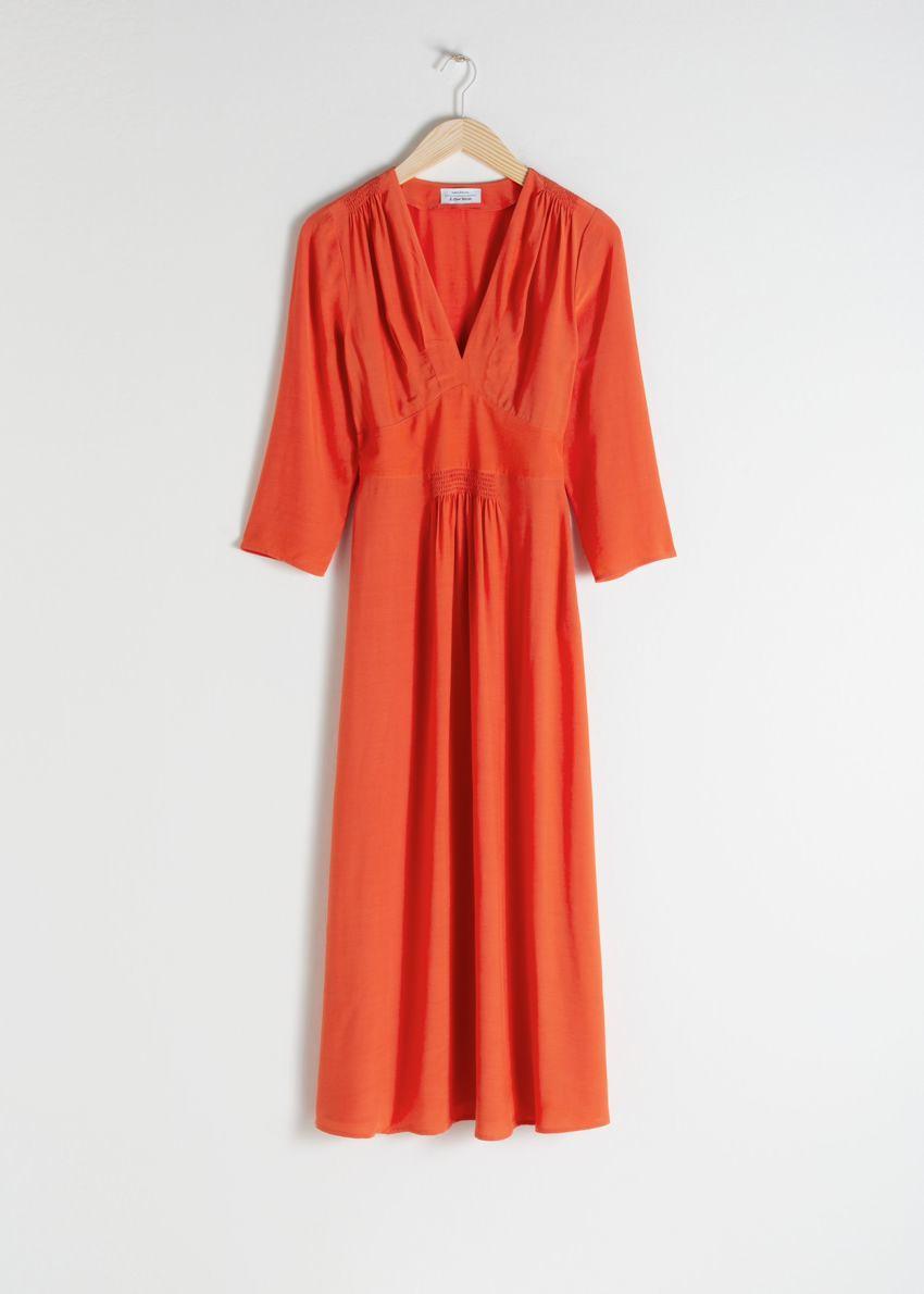 앤아더스토리즈 롱 슬리브 엠파이어 미디 드레스의 오렌지컬러 Product입니다.