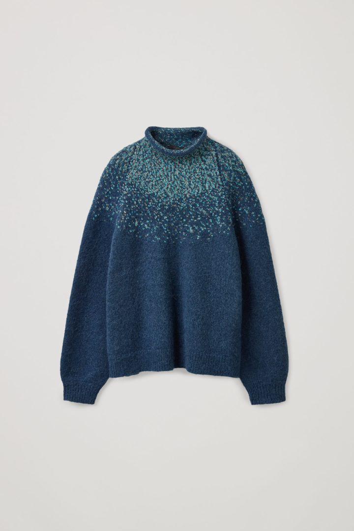 COS hover image 4 of 블루 in 리사이클 울 믹스 페어 아일 니트 스웨터