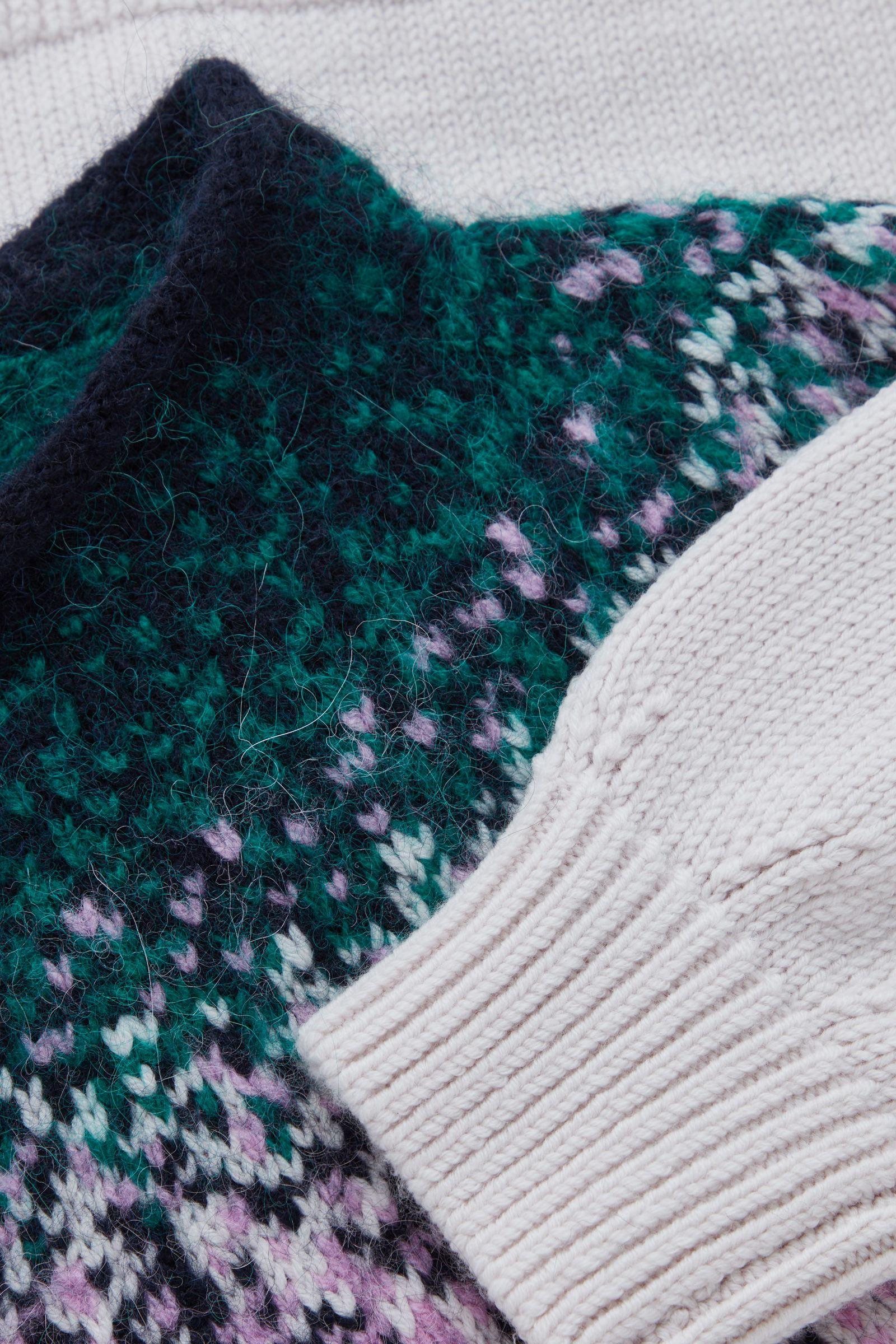 COS 리사이클 울 믹스 페어 아일 니트 스웨터의 멀티컬러컬러 Detail입니다.