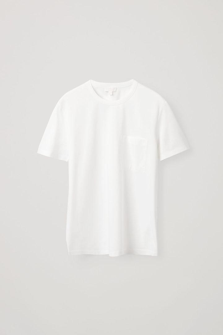 COS 패치 포켓 티셔츠의 화이트컬러 Product입니다.