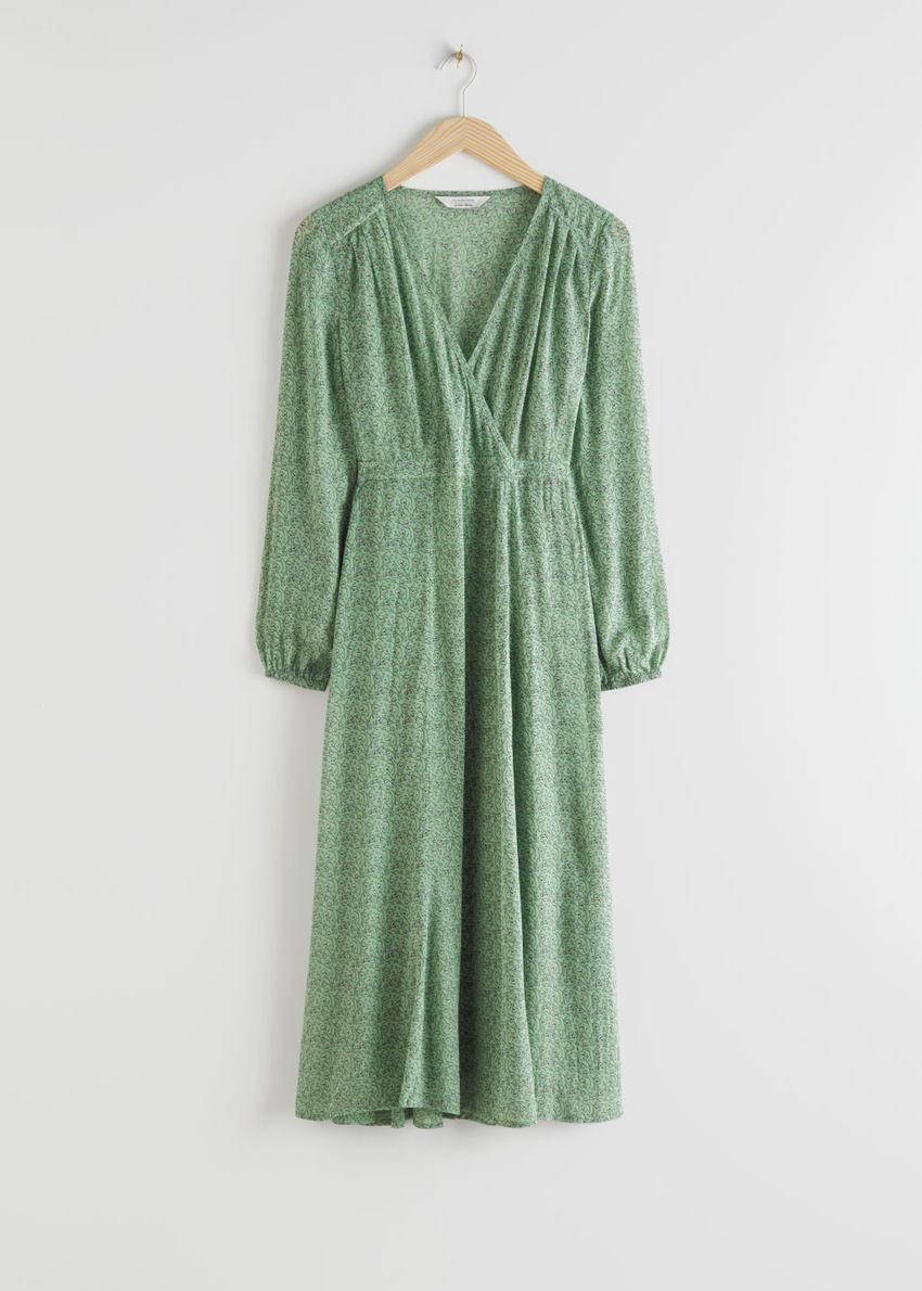 앤아더스토리즈 시어 프린트 미디 드레스의 그린컬러 Product입니다.