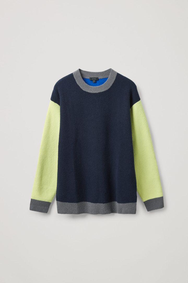 COS 울 컬러 블록 스웨터의 블루컬러 Product입니다.
