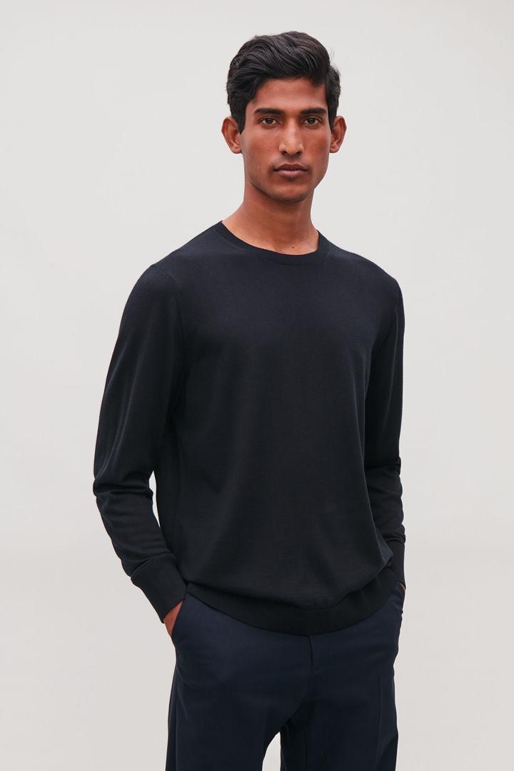 COS default image 9 of 블루 in 클래식 메리노 스웨터