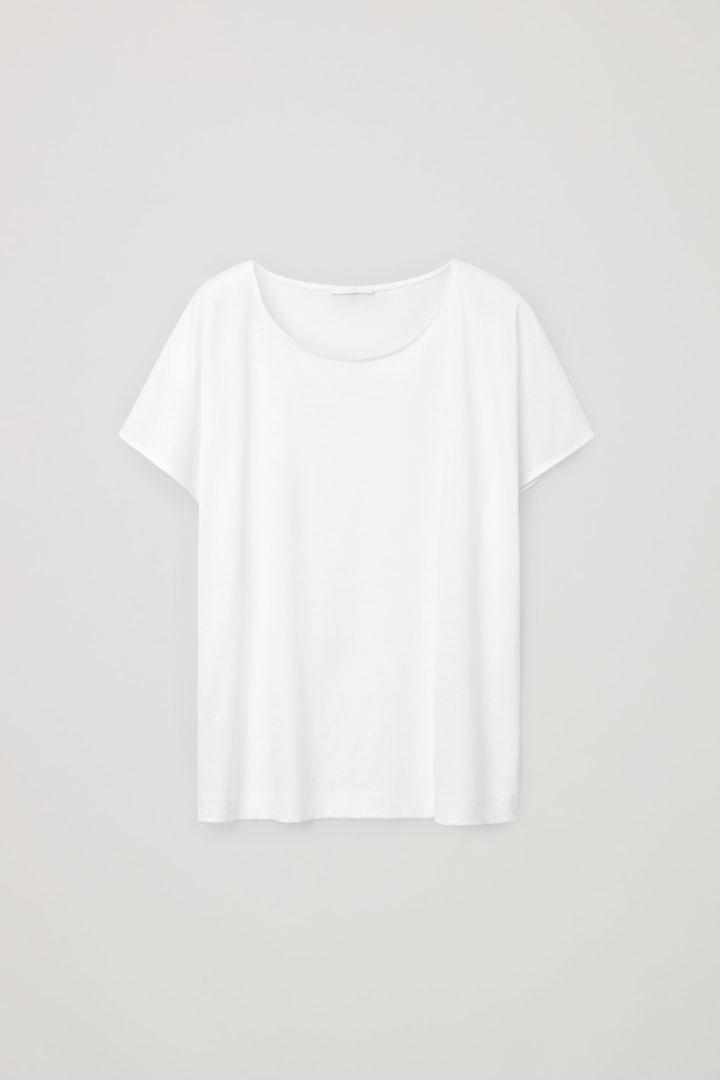 COS 라이오셀 오가닉 코튼 믹스 스퀘어 컷 티셔츠의 화이트컬러 Product입니다.