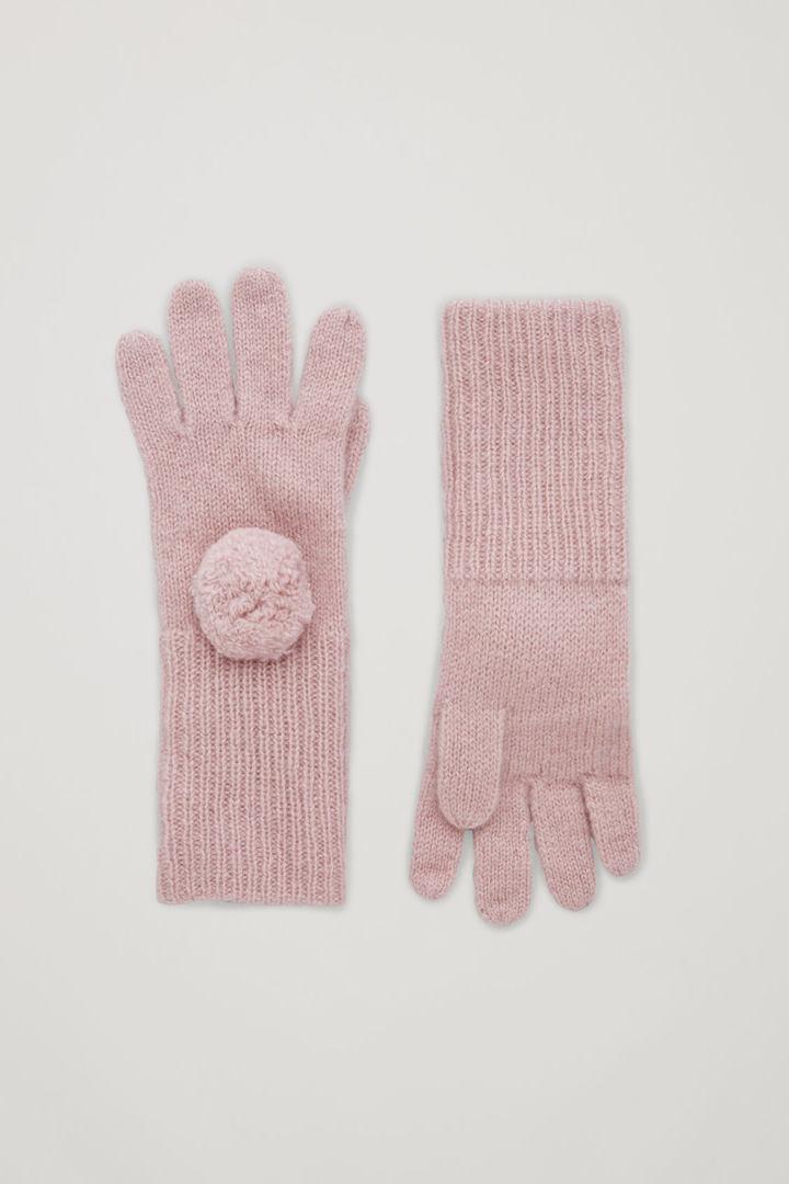 COS default image 10 of 핑크 in 캐시미어 폼 폼 글러브
