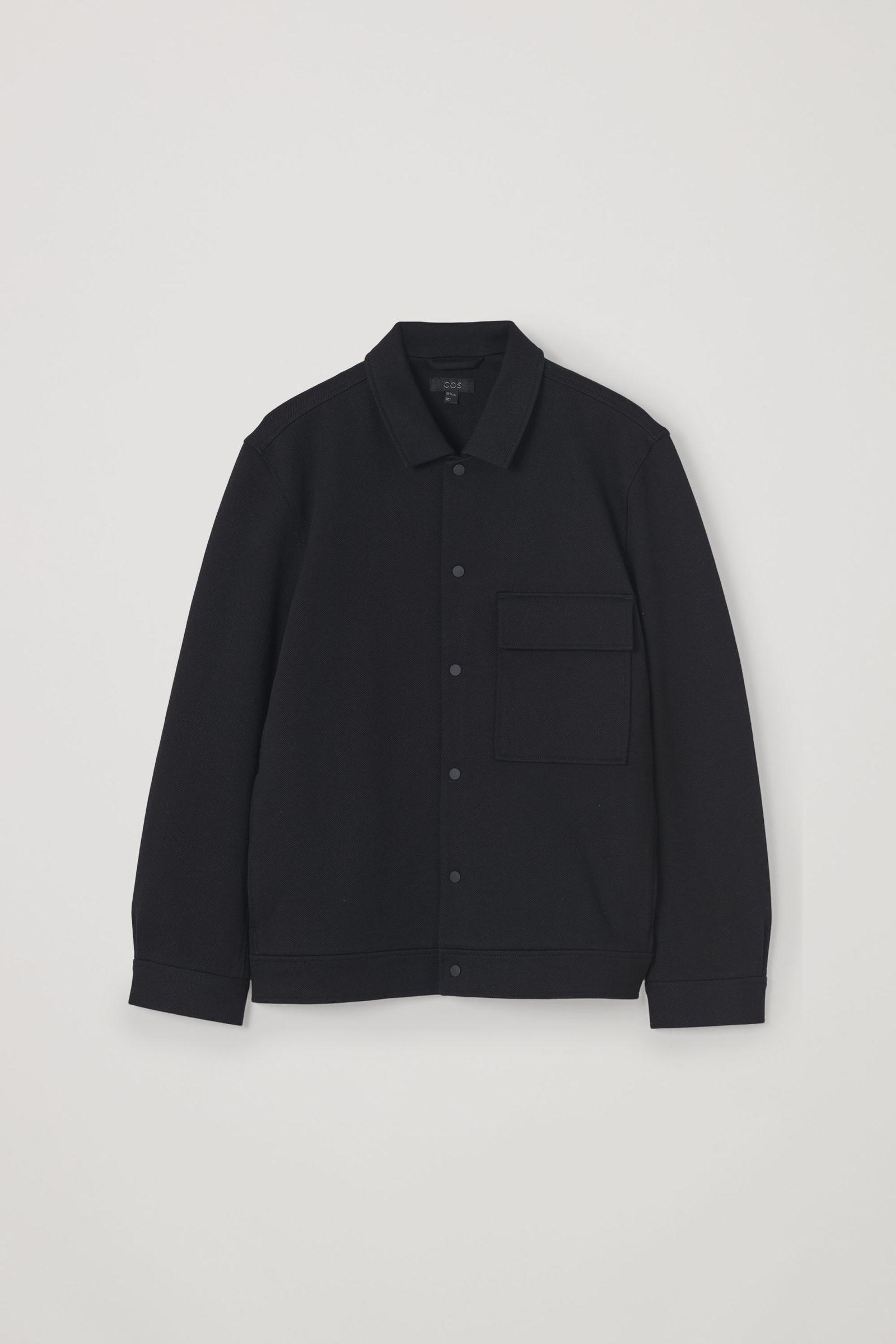 COS 코튼 트윌 셔츠 재킷의 블랙컬러 Product입니다.