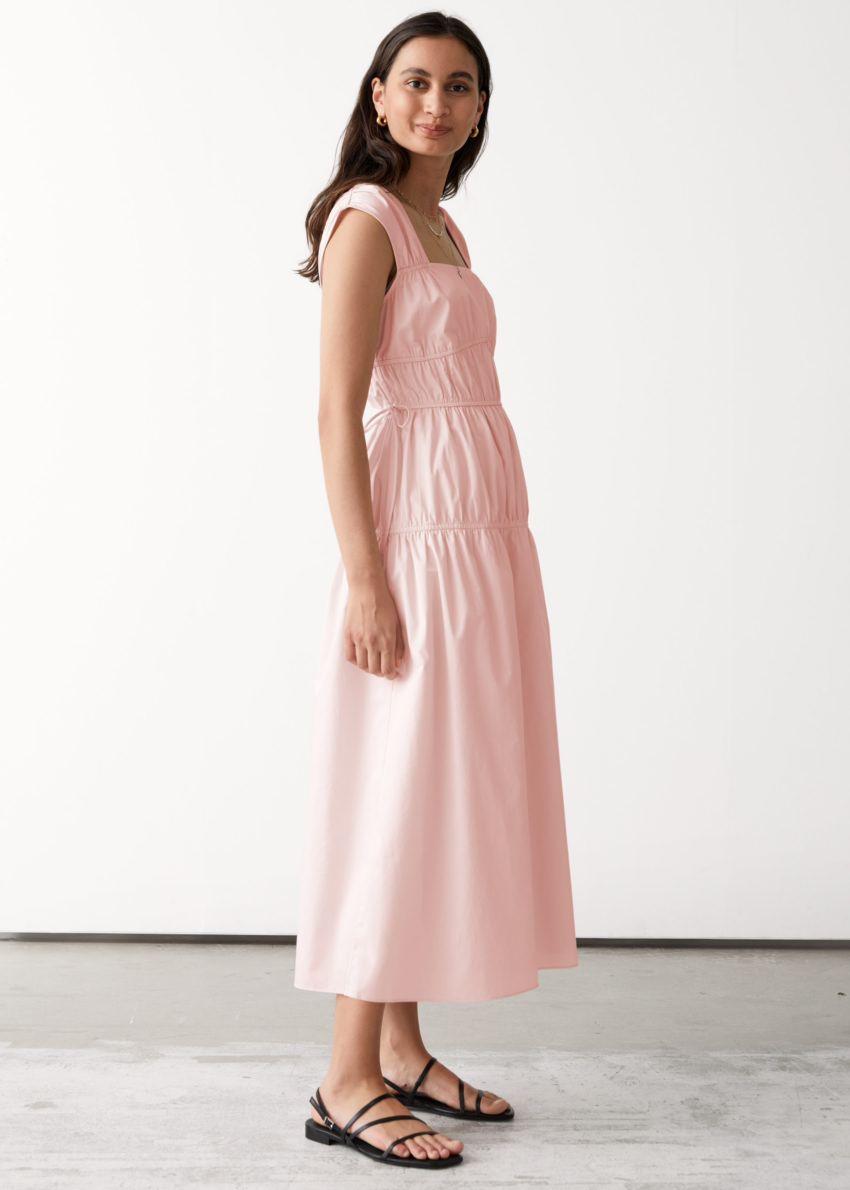 앤아더스토리즈 웨이스트 타이 미디 드레스의 라이트 핑크컬러 ECOMLook입니다.