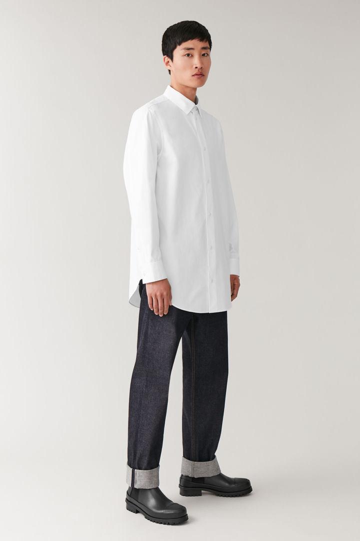 COS hover image 4 of 화이트 in 오버사이즈 헤비웨이트 코튼 셔츠