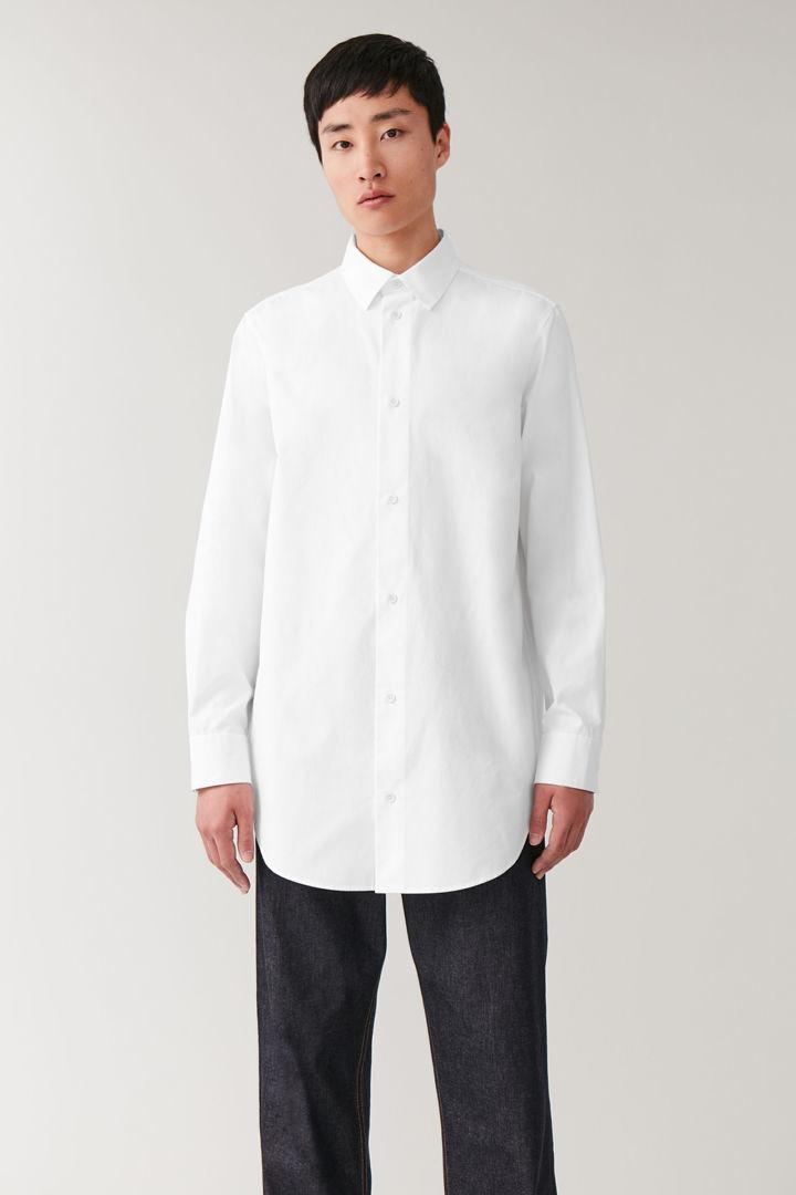 COS default image 4 of 화이트 in 오버사이즈 헤비웨이트 코튼 셔츠