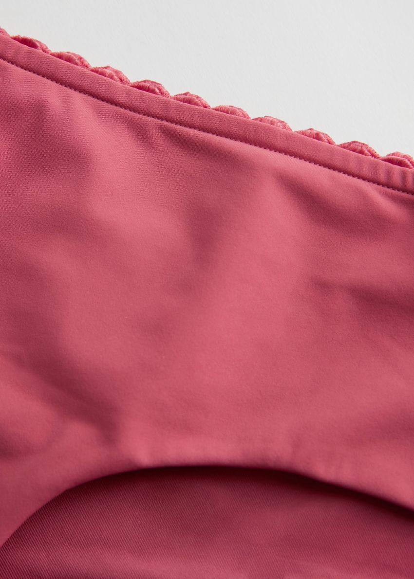 앤아더스토리즈 스캘럽 트림 비키니 브리프의 핑크컬러 Detail입니다.