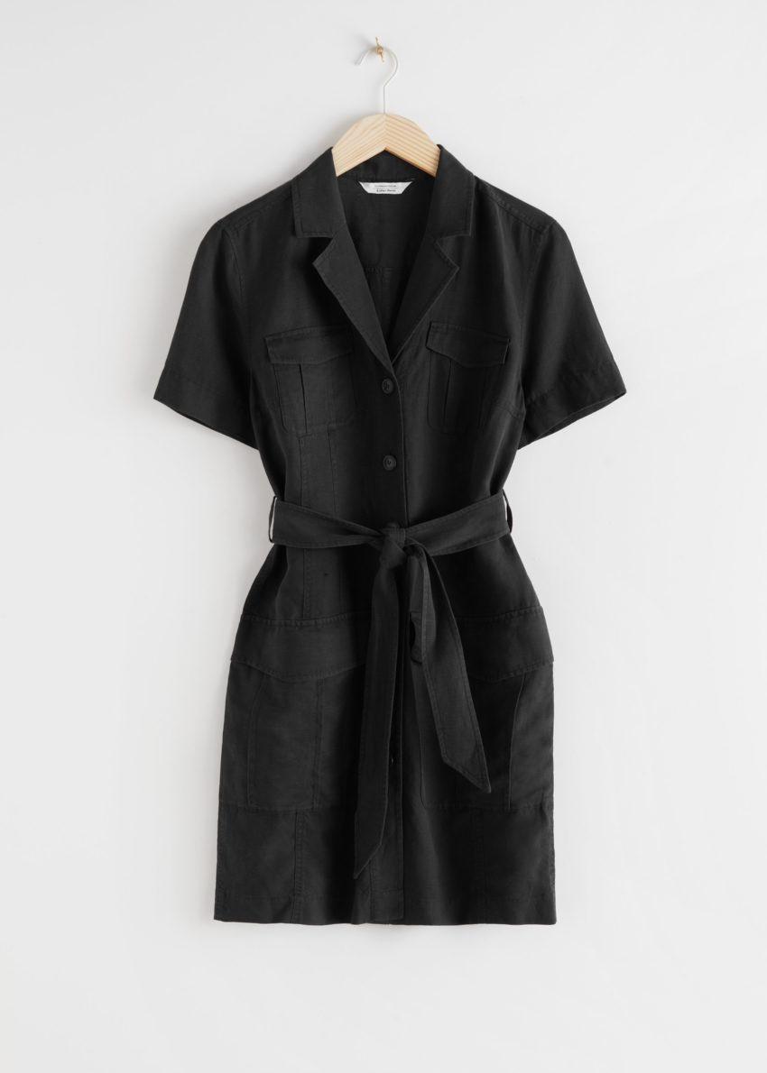 앤아더스토리즈 벨티드 워크웨어 미니 드레스의 블랙컬러 Product입니다.