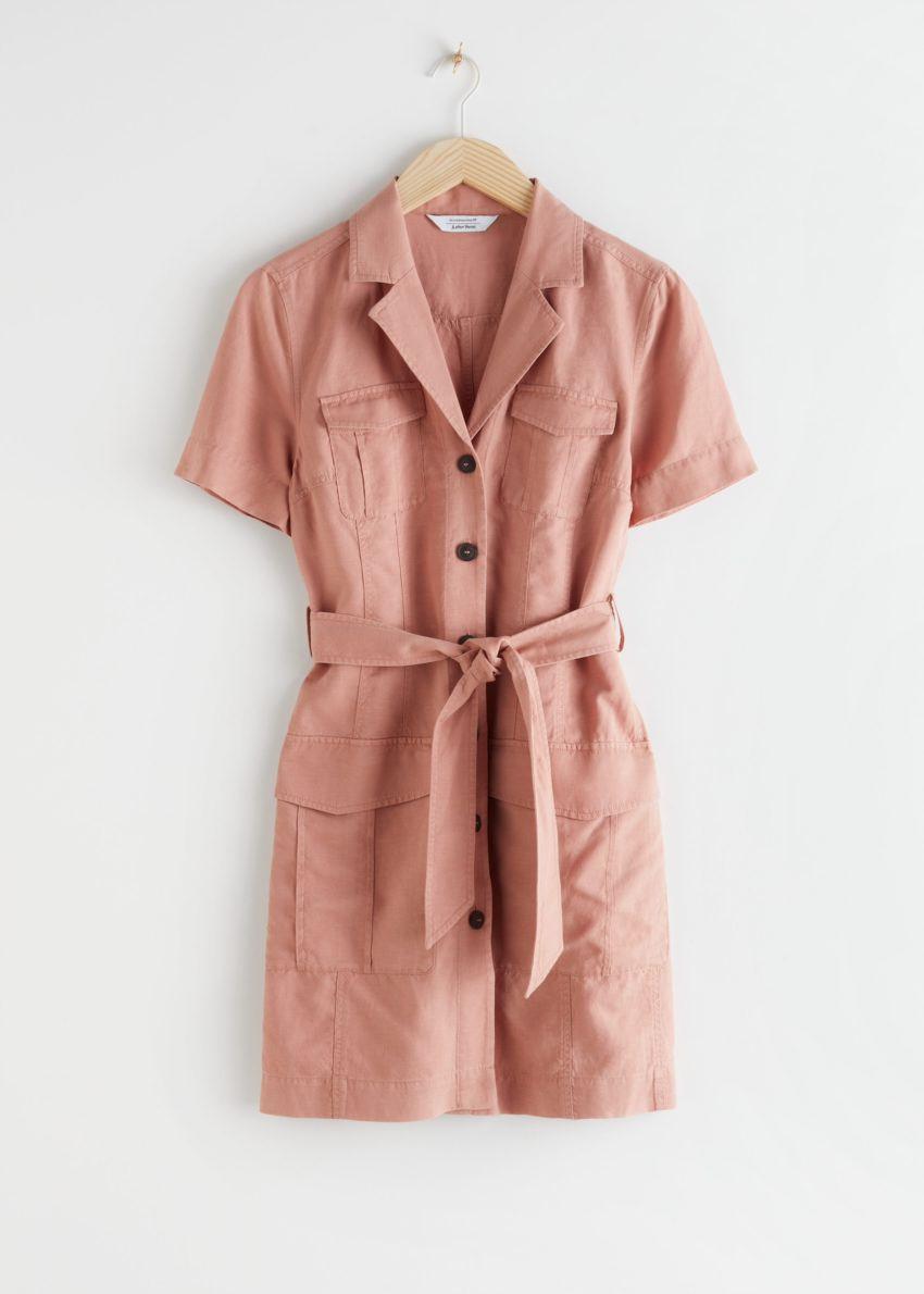 앤아더스토리즈 벨티드 워크웨어 미니 드레스의 핑크컬러 Product입니다.