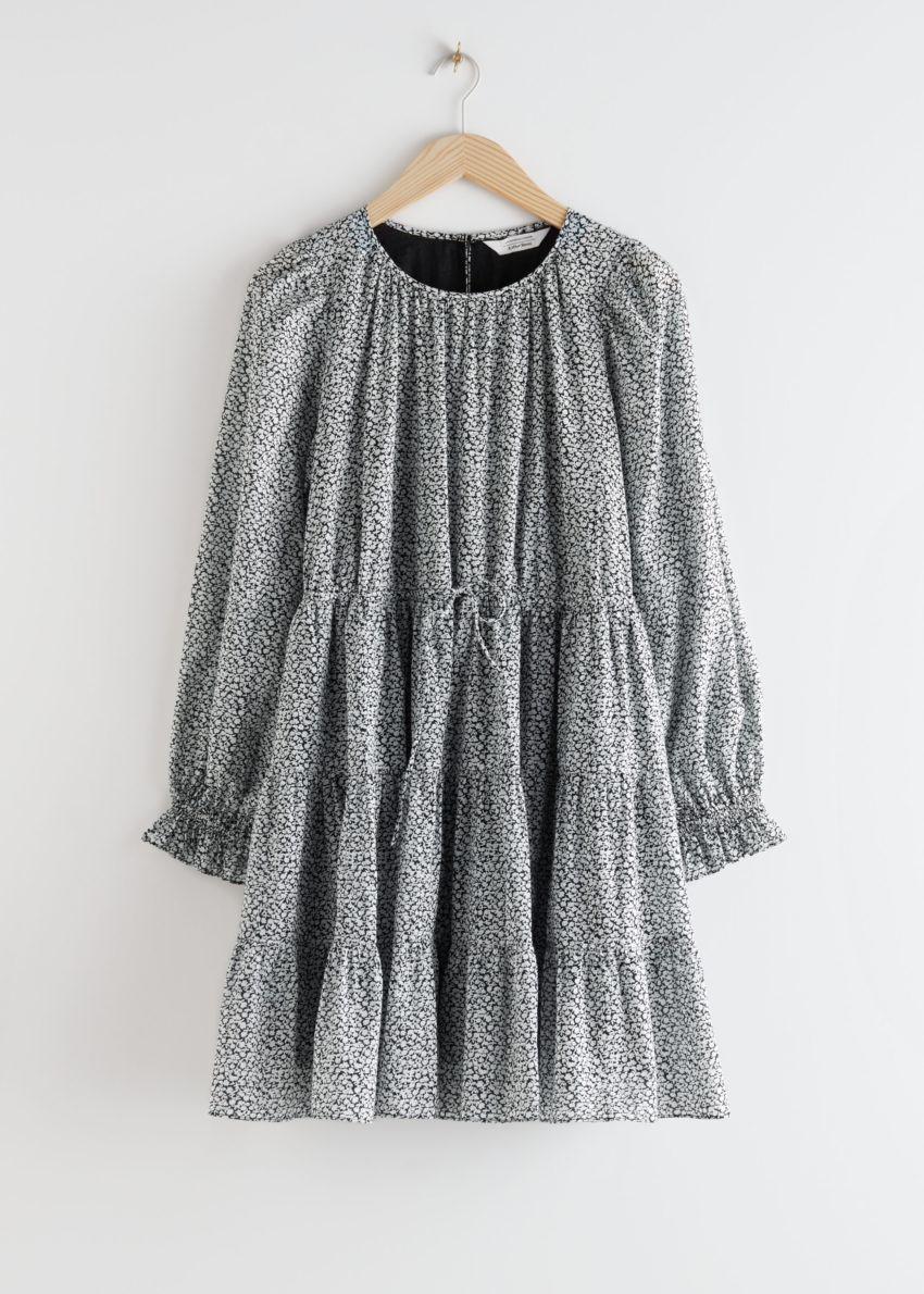 앤아더스토리즈 볼류미너스 트윌 미니 드레스의 블랙 티 로즈컬러 Product입니다.