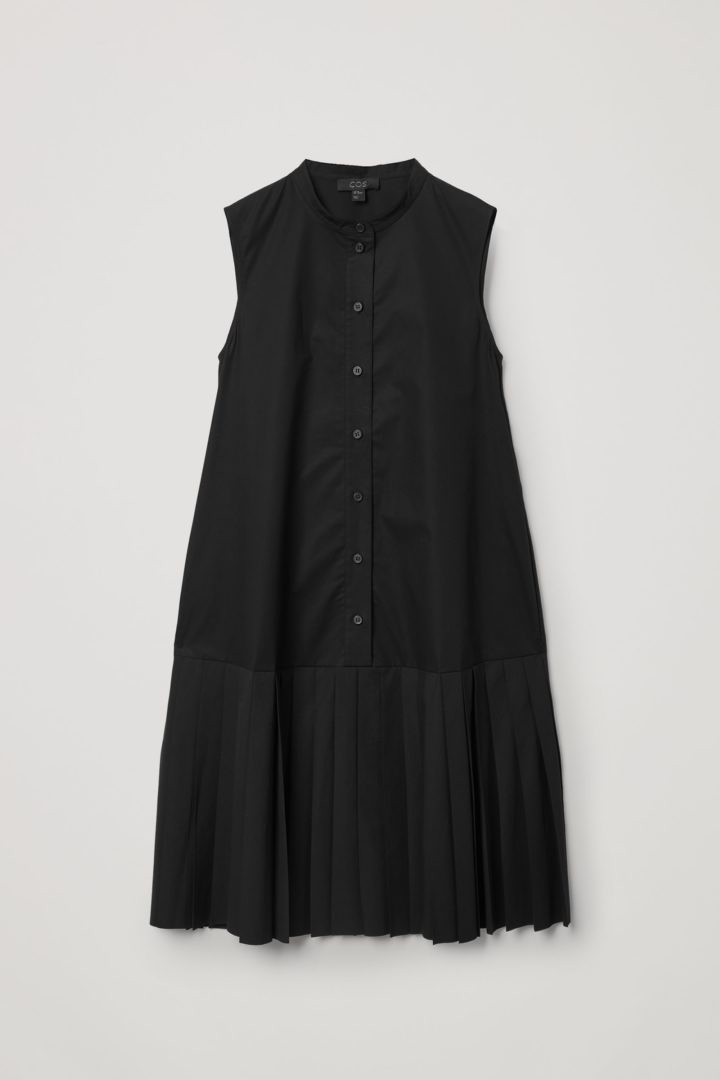 COS 오가닉 코튼 플리츠 패널 드레스의 블랙컬러 Product입니다.