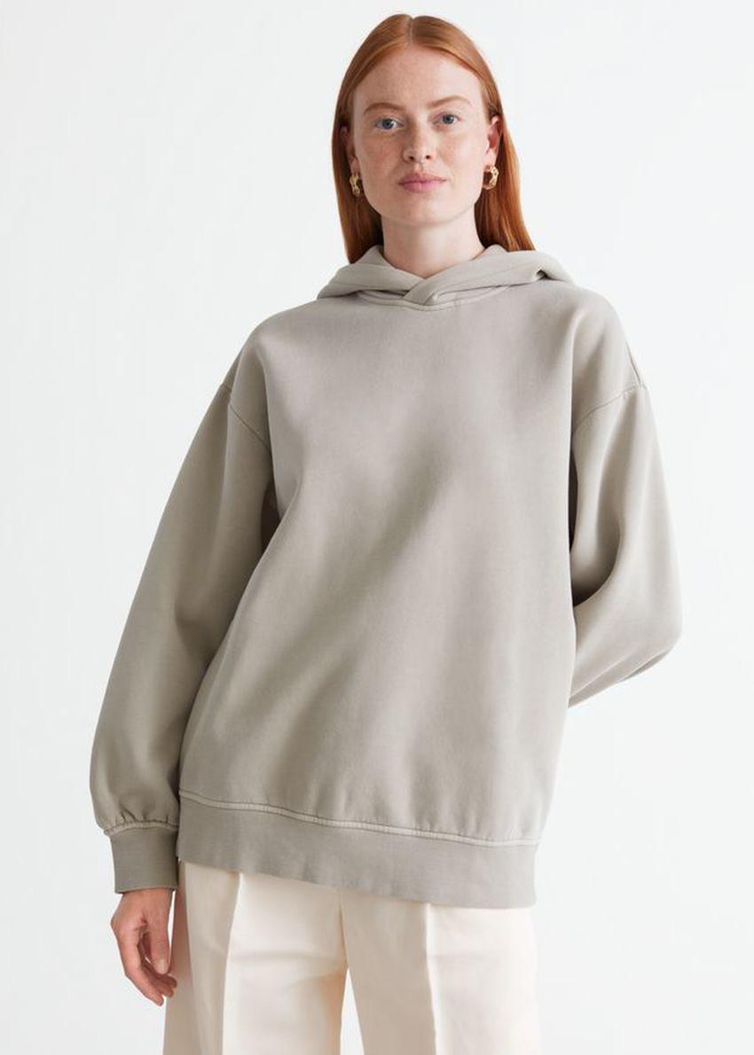 앤아더스토리즈 오버사이즈 후디드 박시 스웨트셔츠의 몰컬러 ECOMLook입니다.