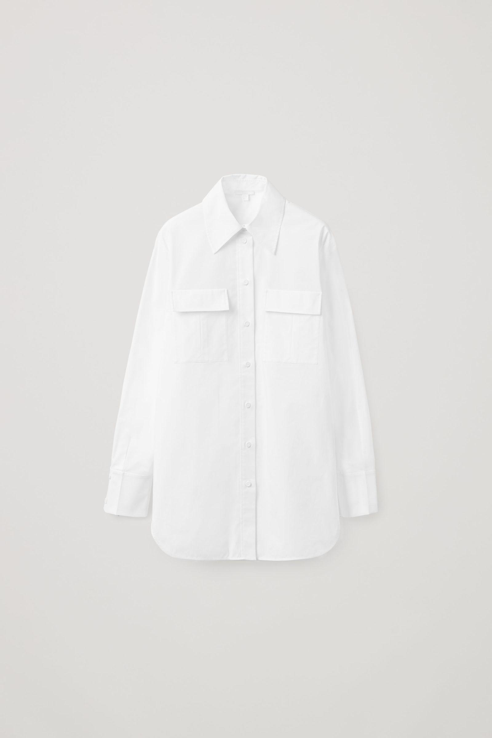 COS 레귤러 핏 유틸리티 셔츠의 화이트컬러 Product입니다.