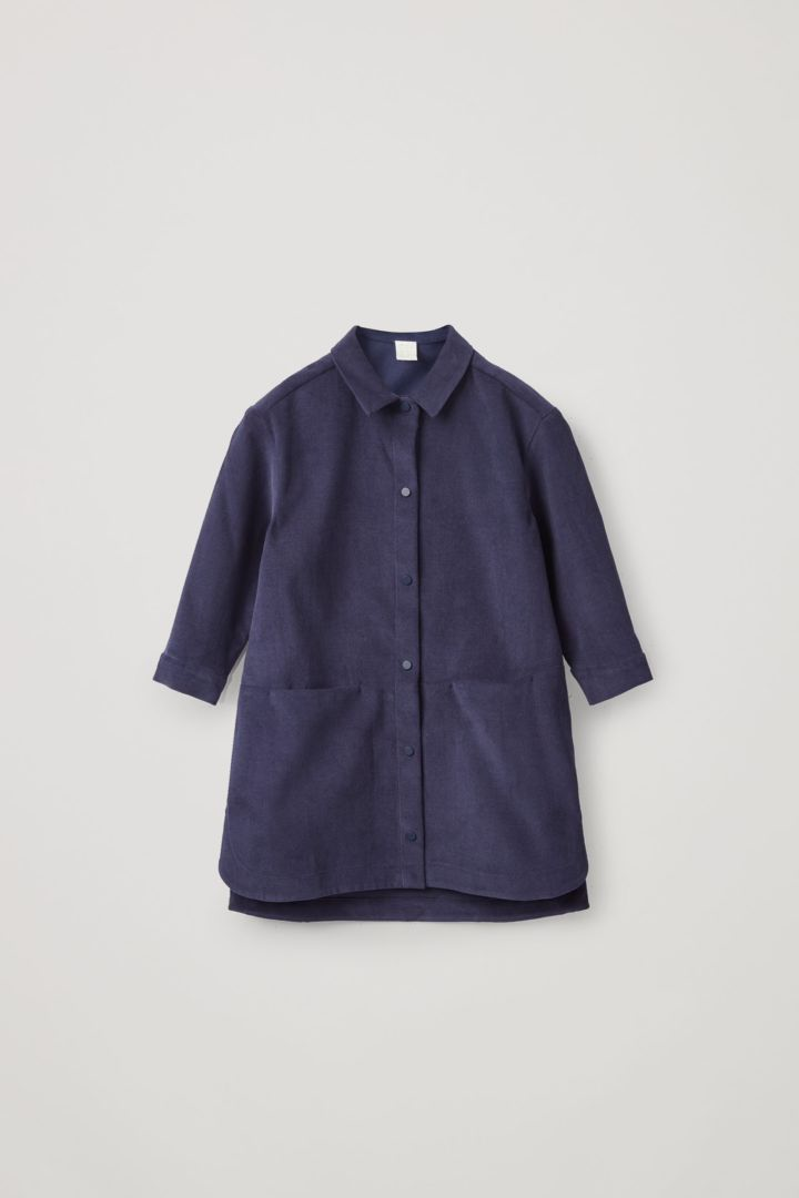 COS 코튼 코듀로이 셔츠 드레스의 네이비컬러 Product입니다.