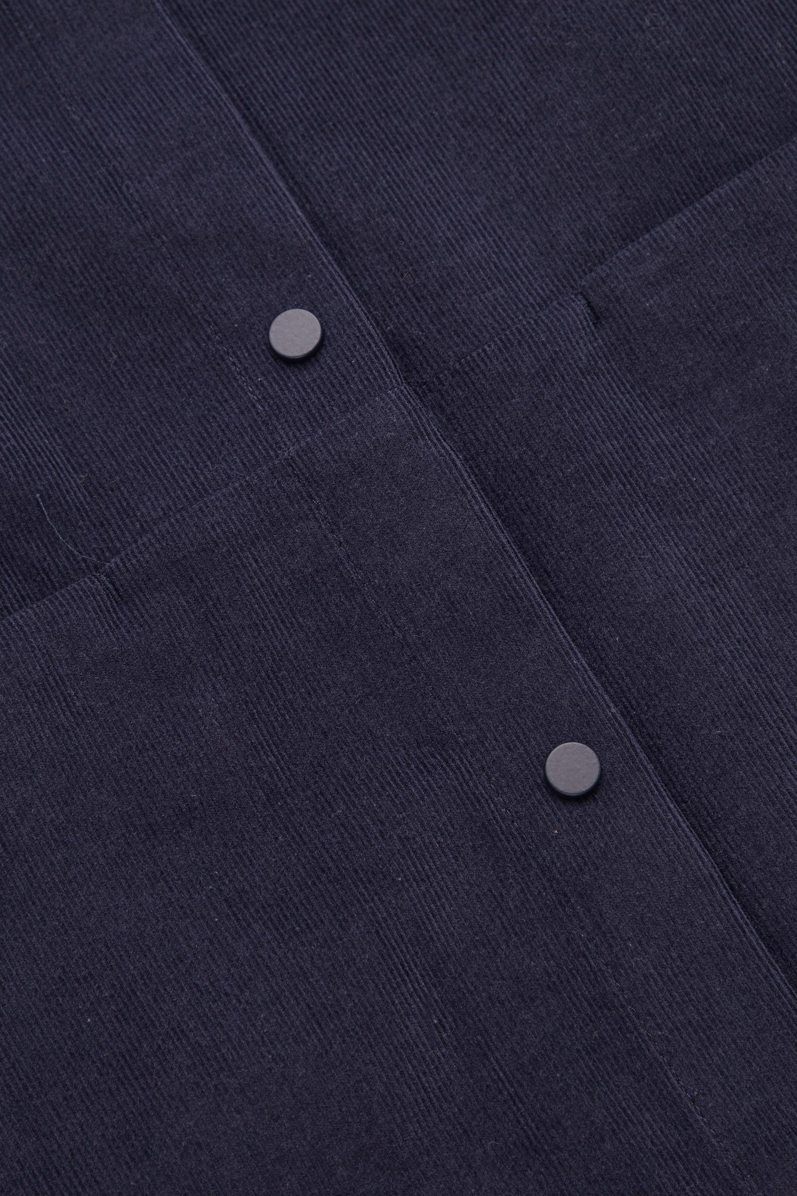 COS 코튼 코듀로이 셔츠 드레스의 네이비컬러 Detail입니다.