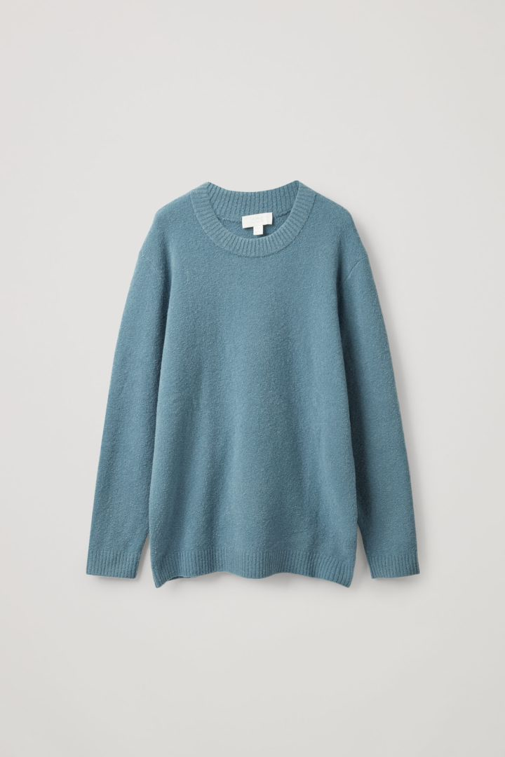 COS 울 릴랙스드 스웨터의 스틸 블루컬러 Product입니다.