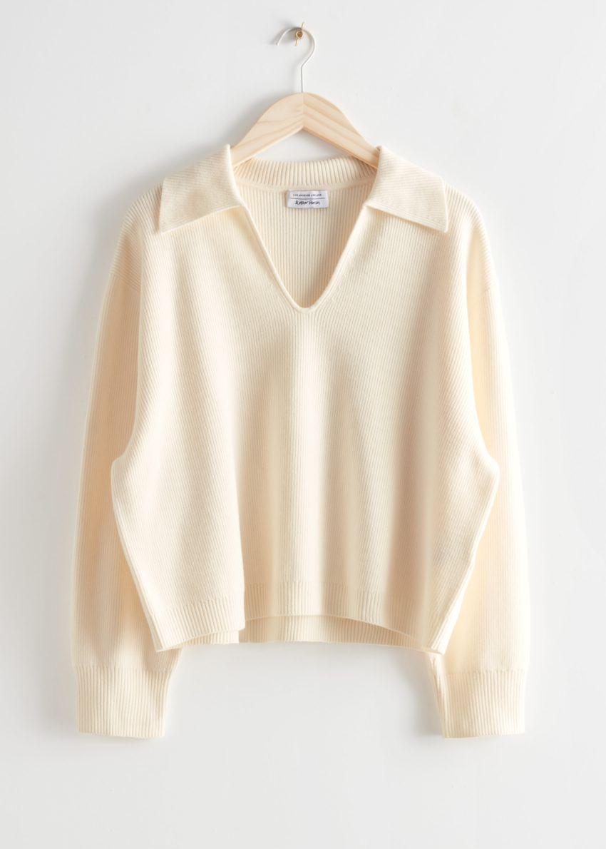 앤아더스토리즈 카라 니트 스웨터의 크림컬러 Product입니다.