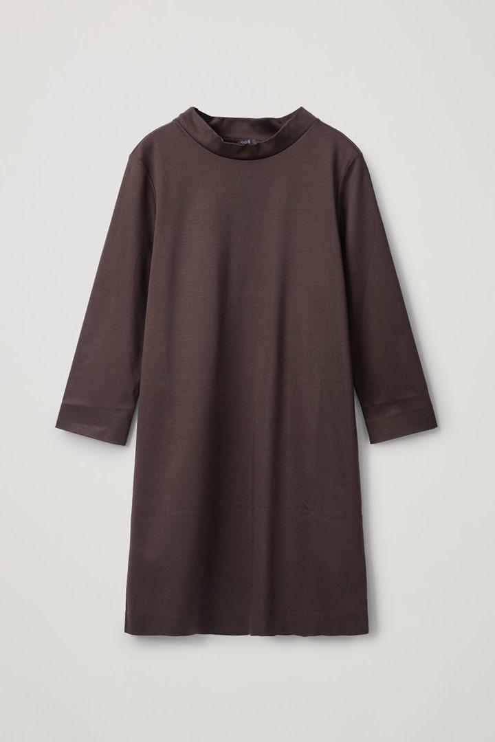 COS hover image 8 of 브라운 in 모크넥 스무스 드레스