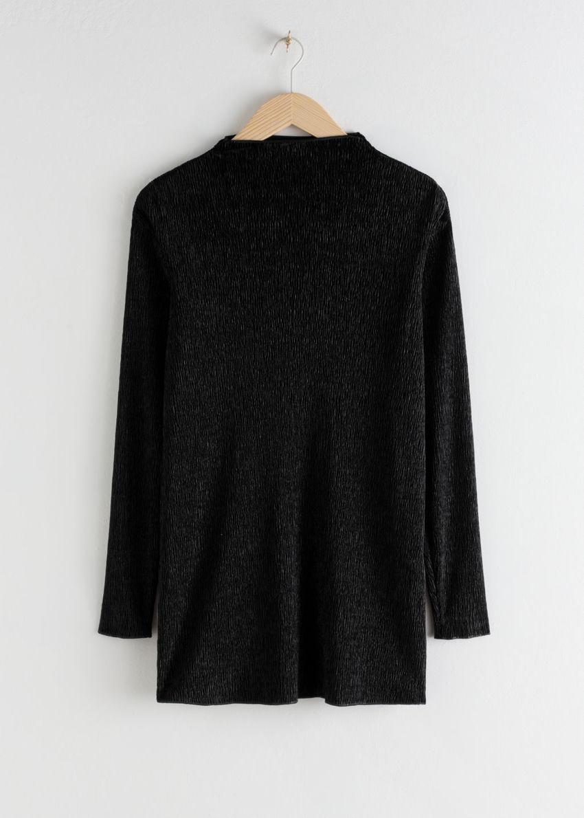 앤아더스토리즈 플리세 텍스처 미니 드레스의 블랙컬러 Product입니다.