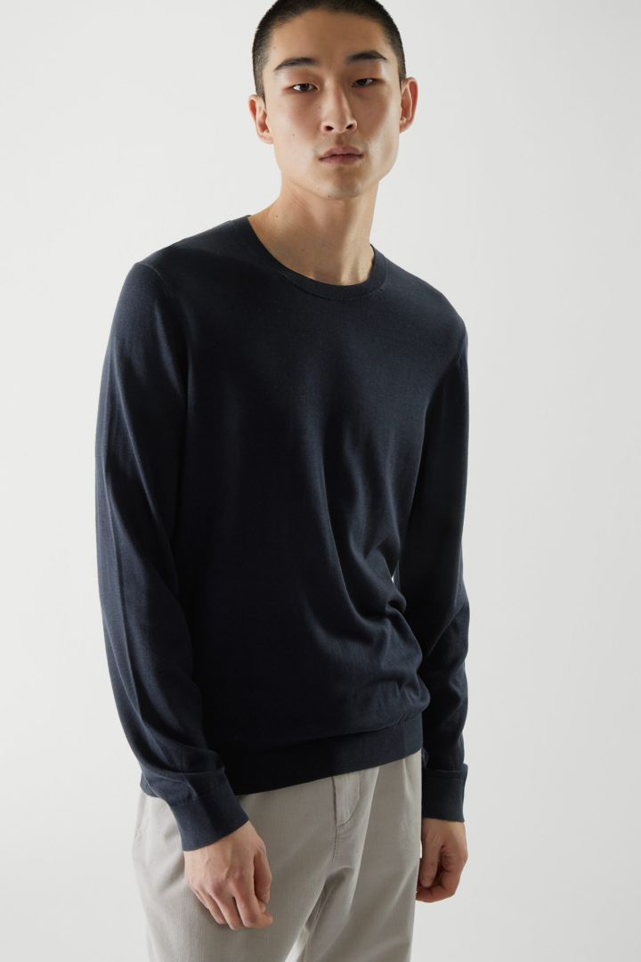 COS default image 2 of 블루 in 실크 니티드 스웨터