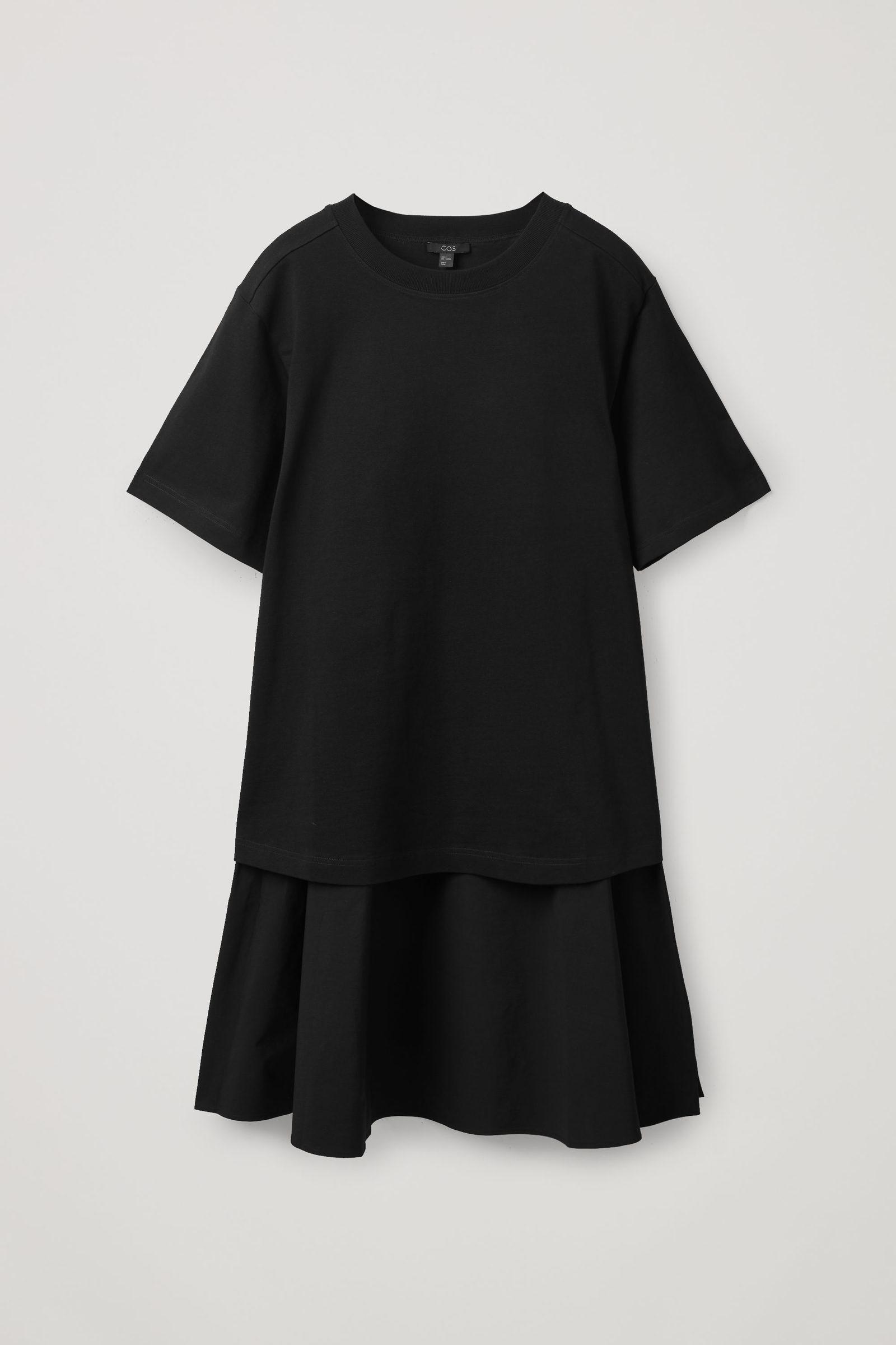 COS 티어드 티셔츠 드레스의 다크 네이비컬러 Product입니다.