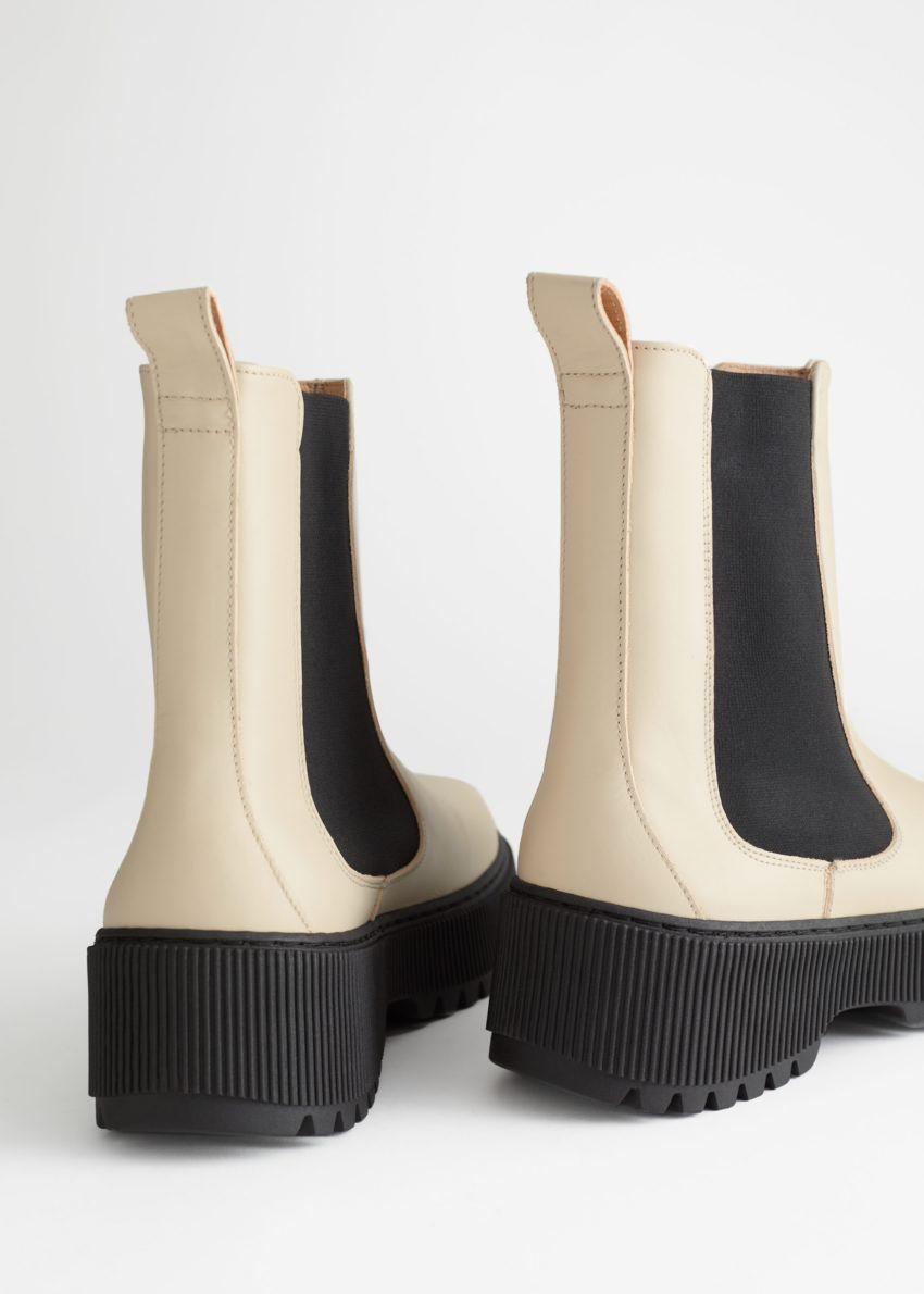 앤아더스토리즈 청키 레더 첼시 부츠의 라이트 베이지컬러 Product입니다.
