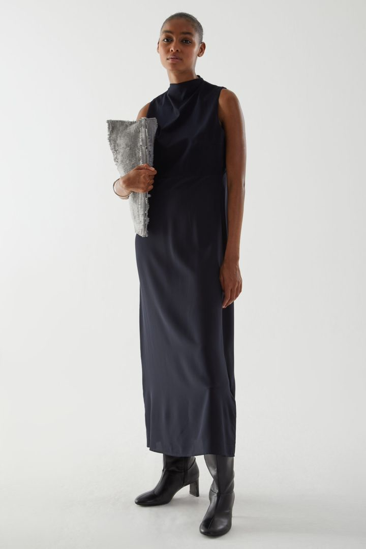 COS default image 1 of 블루 in 코튼 멀버리 실크 믹스 롱 슬리브리스 드레스
