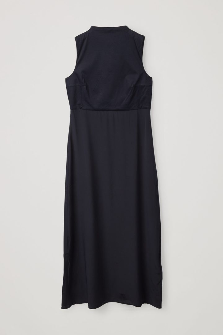 COS 코튼 멀버리 실크 믹스 롱 슬리브리스 드레스의 네이비컬러 Product입니다.