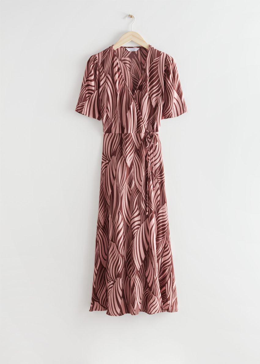 앤아더스토리즈 프린트 미디 랩 드레스의 스월 프린트컬러 Product입니다.