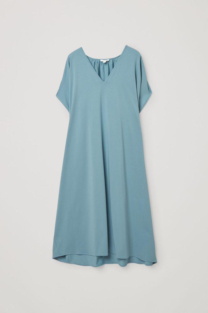 COS 개더드 V넥 코튼 드레스의 라이트 터쿼이즈컬러 Product입니다.