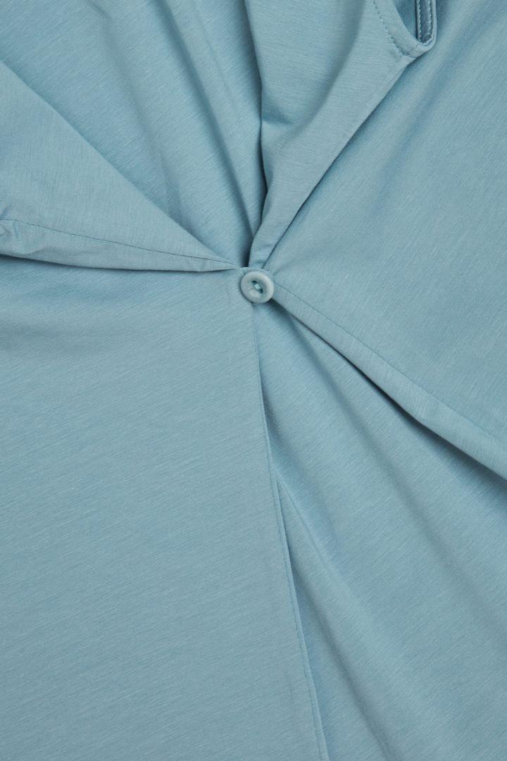 COS 개더드 V넥 코튼 드레스의 라이트 터쿼이즈컬러 Detail입니다.