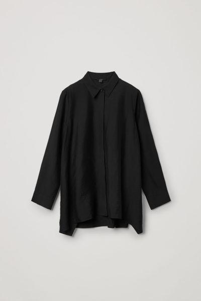 COS default image 6 of 블랙 in 크링클드 드레이프드 셔츠