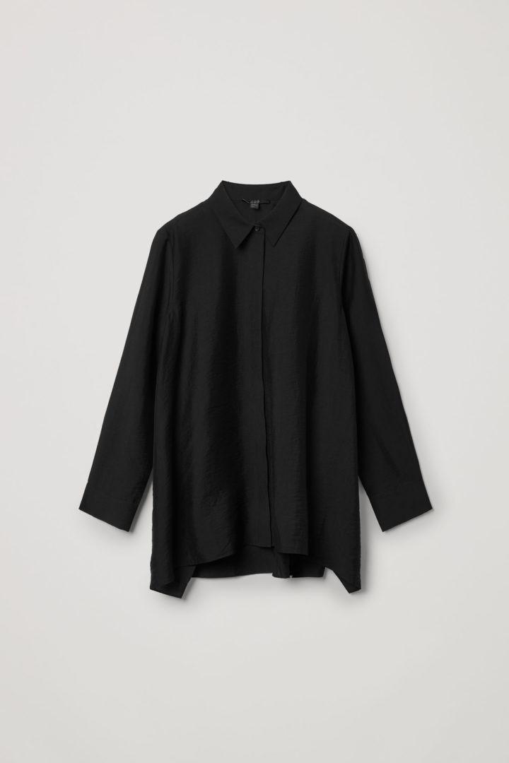 COS hover image 1 of 블랙 in 크링클드 드레이프드 셔츠