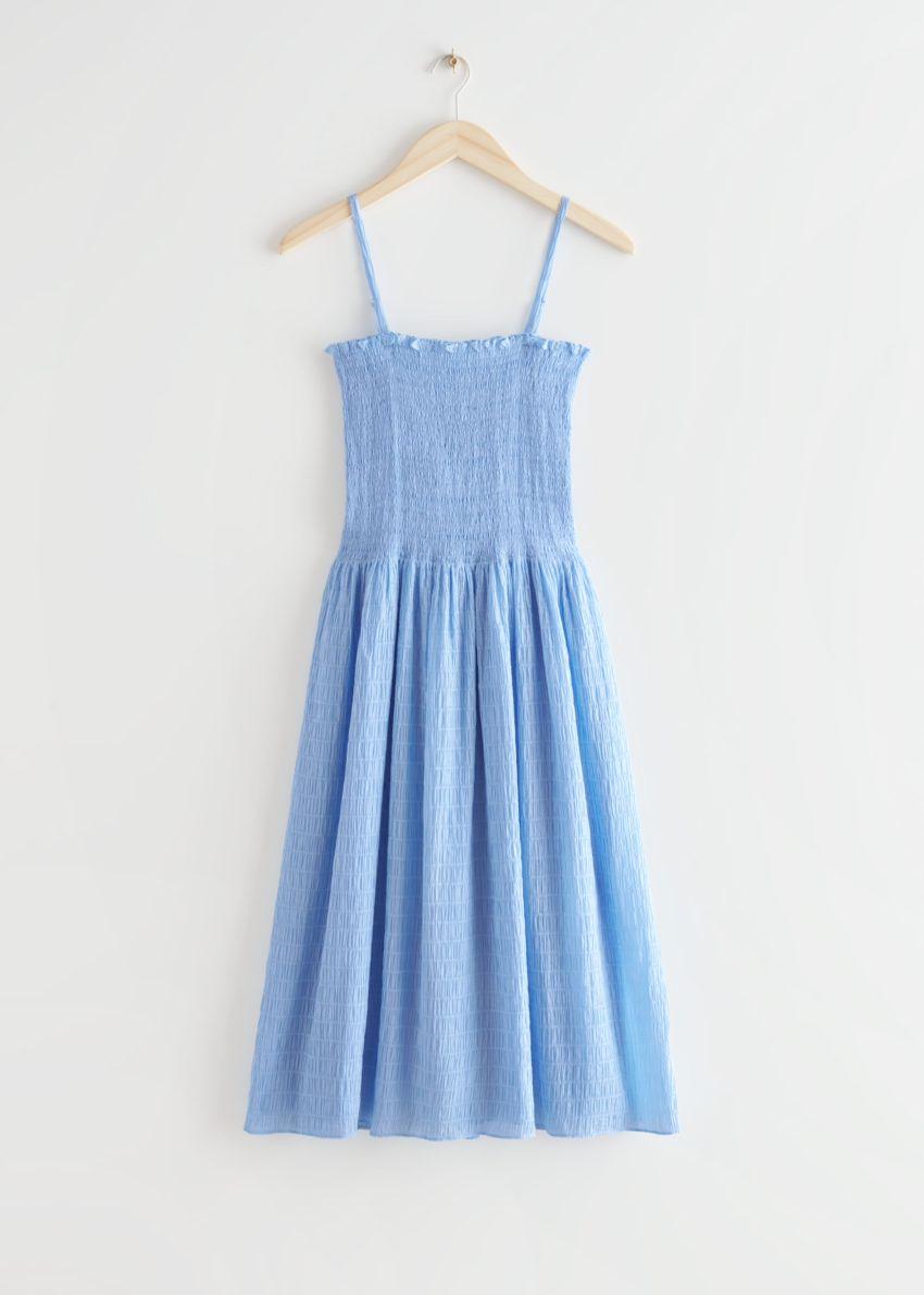 앤아더스토리즈 스모크 미디 드레스의 라이트 블루컬러 Product입니다.