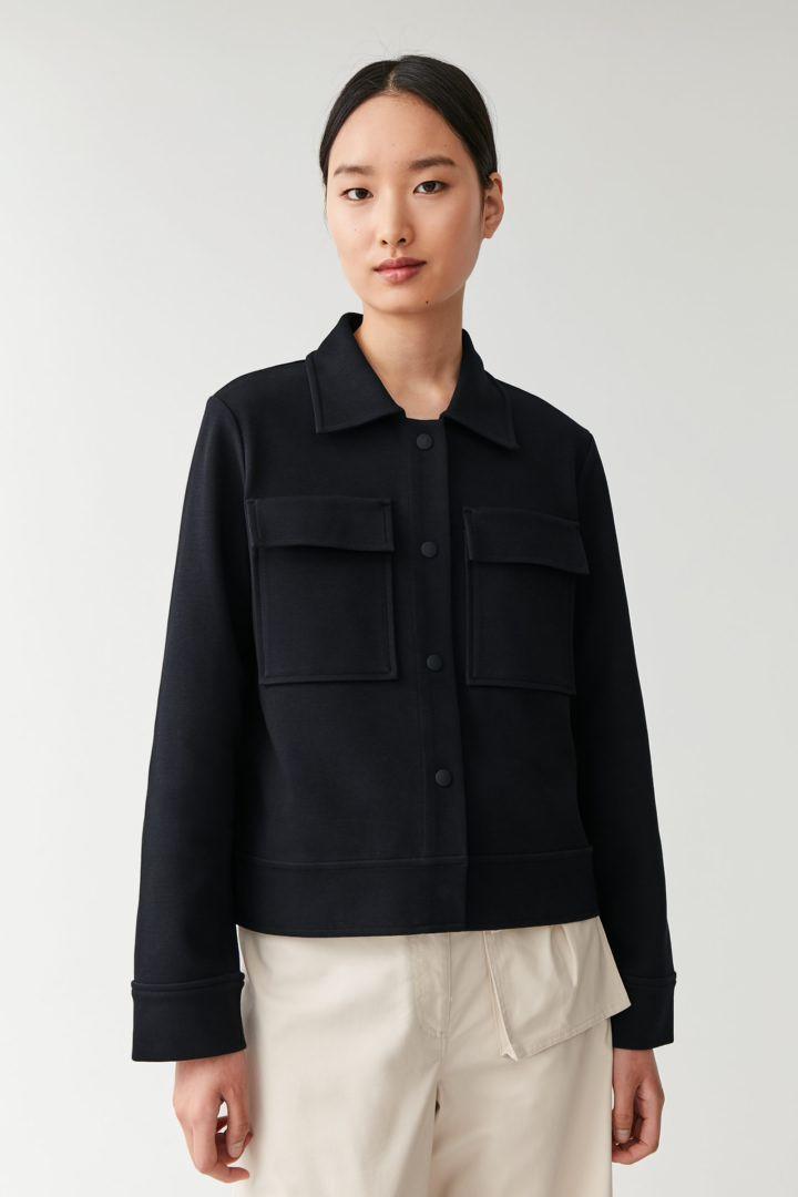 COS default image 5 of 블루 in 플랩 포켓 재킷