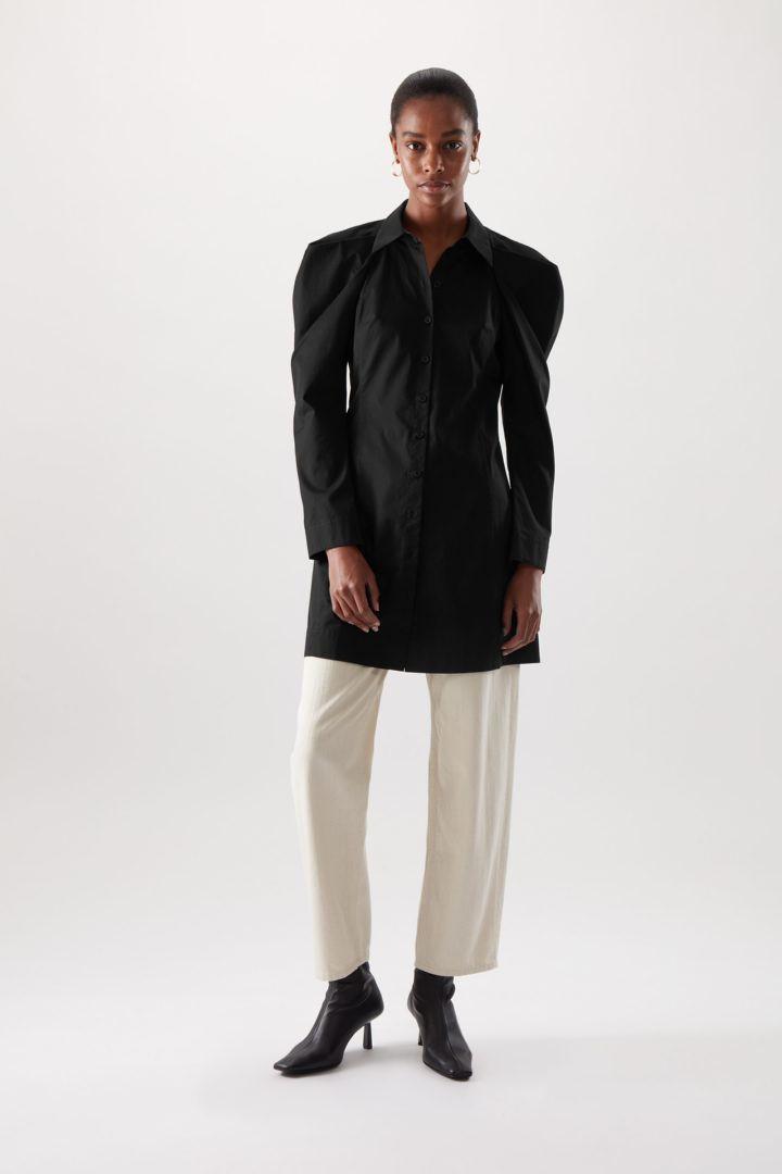 COS default image 7 of 블랙 in 드레이프드 코튼 셔츠 드레스