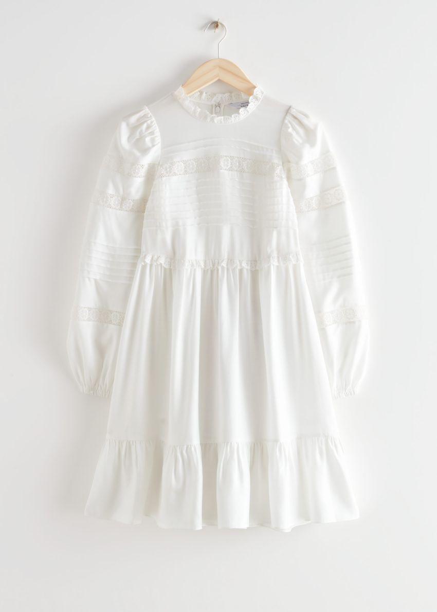 앤아더스토리즈 티어드 미니 레이스 드레스의 화이트컬러 Product입니다.