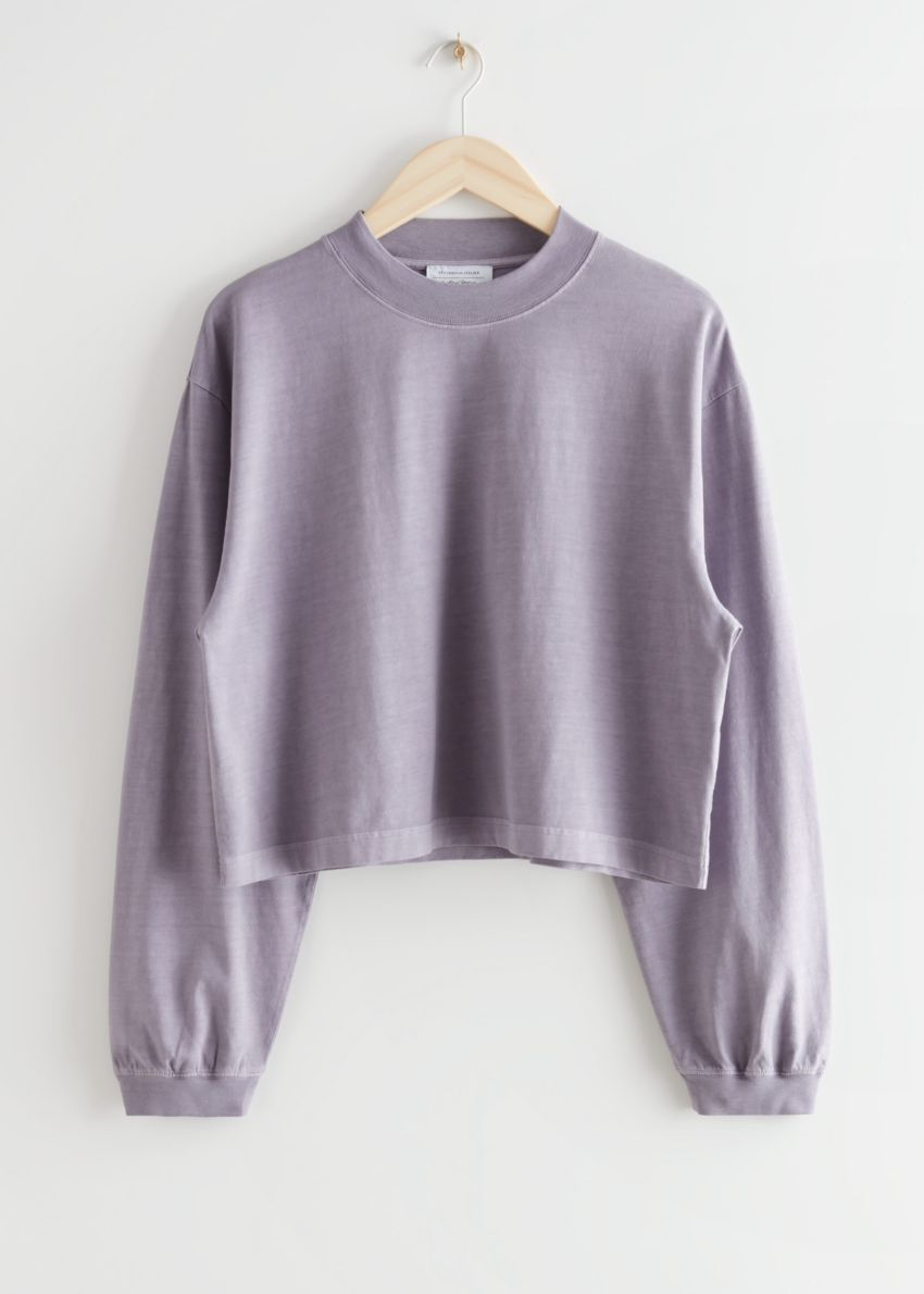 앤아더스토리즈 크롭 박시 코튼 스웨터의 라일락컬러 Product입니다.