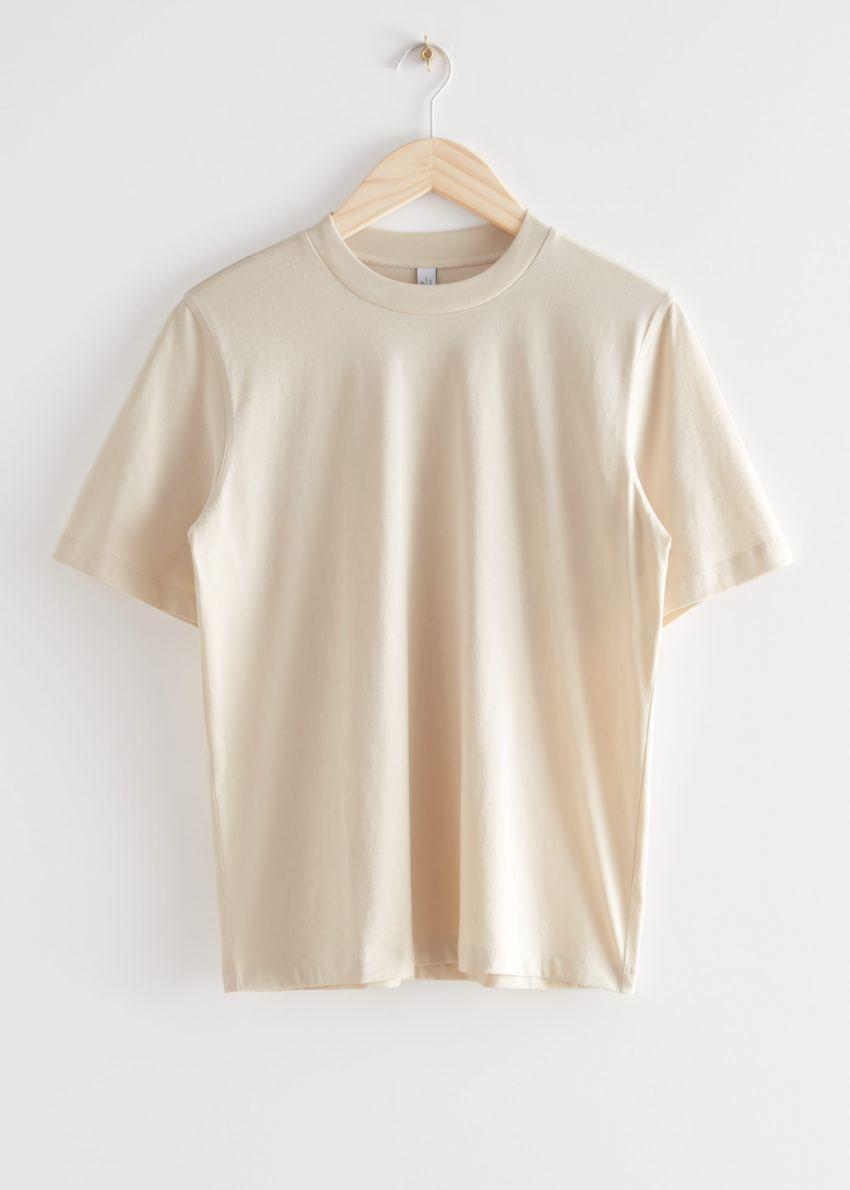 앤아더스토리즈 박시 오가닉 코튼 티셔츠의 라이트 베이지컬러 Product입니다.