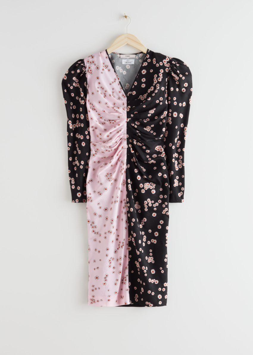 앤아더스토리즈 피티드 플리츠 멀베리 실크 미디 드레스의 블랙 핑크컬러 Product입니다.