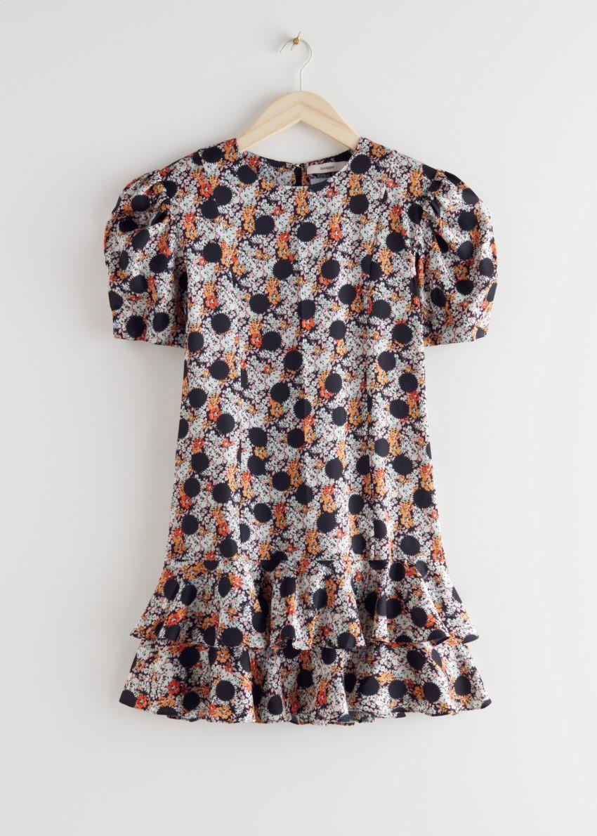 앤아더스토리즈 러플 퍼프 숄더 미니 드레스의 블랙 도트컬러 Product입니다.