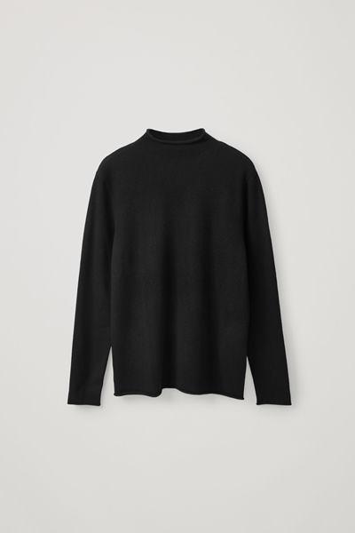 COS image 0 of 블랙 in 캐시미어 모크넥 스웨터
