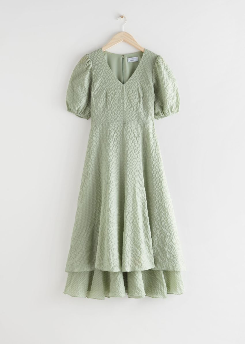 앤아더스토리즈 퍼프 슬리브 더블 레이어 미디 드레스의 그린컬러 Product입니다.