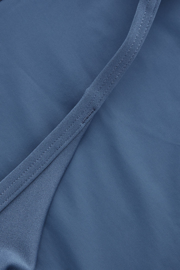 COS 슬림 비키니 바텀의 스틸 블루컬러 Detail입니다.