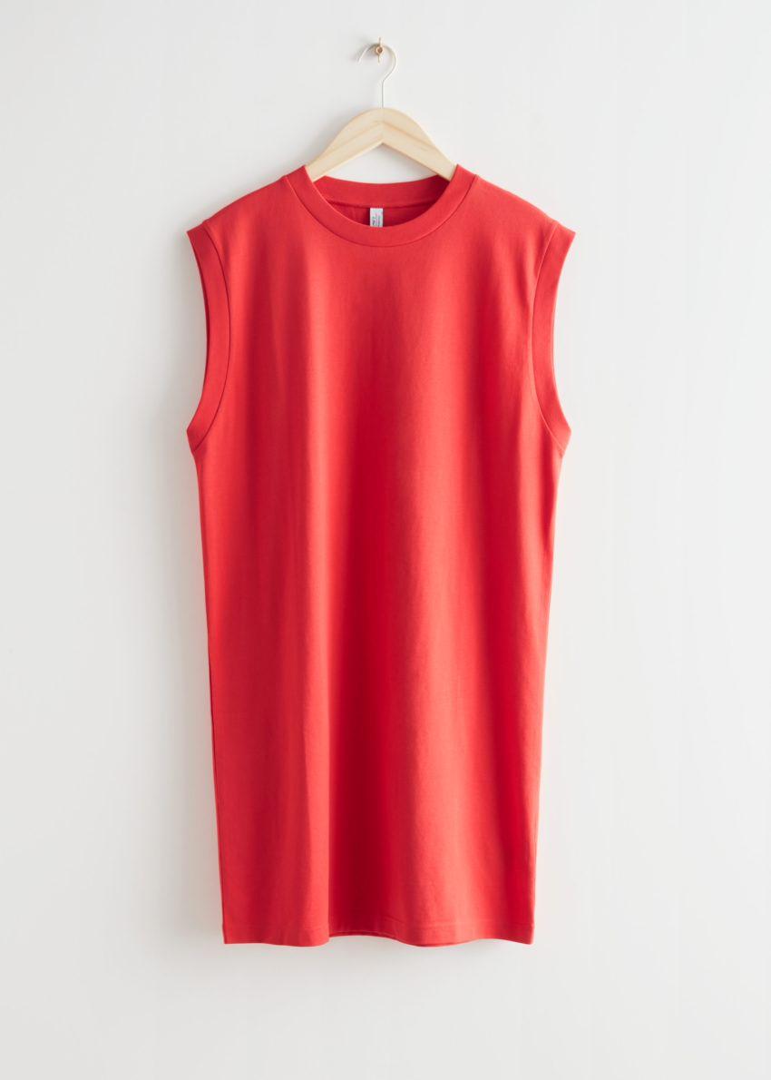 앤아더스토리즈 슬리브리스 저지 미니 드레스의 레드컬러 Product입니다.